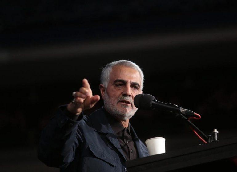 امام خمینی از دیدگاه حاج قاسم / شهید سلیمانی: امام راحل ایران را بیمه کرد